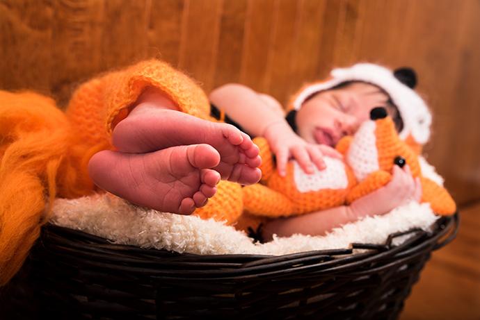 02-Newborn-photographer-studio-Southern-Maryland