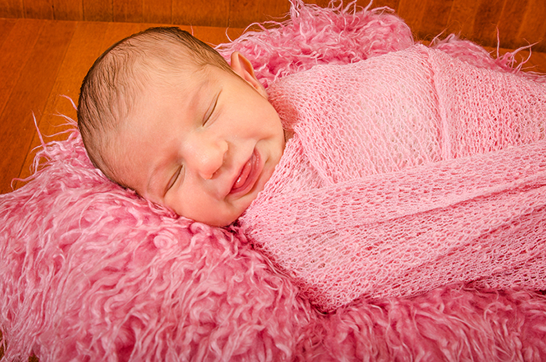 12-Newborn-photographer-studio-Huntingtown-MD
