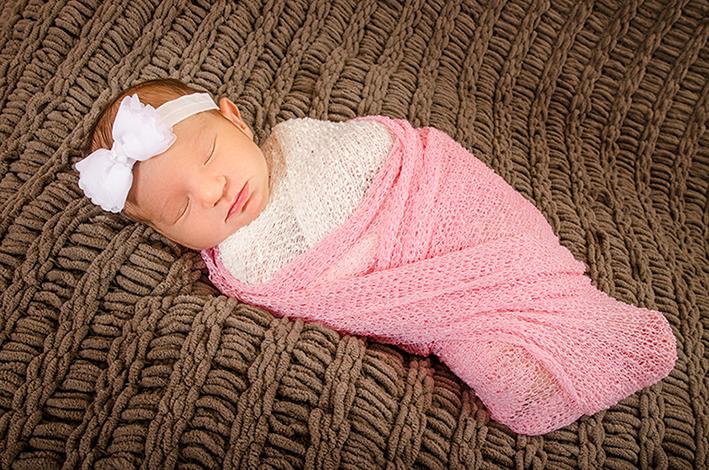 13-Newborn-photographer-studio-Hollywood-MD