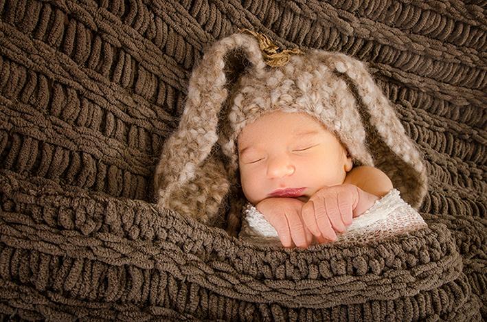 16-Newborn-photographer-studio-Chesapeake-beach-MD
