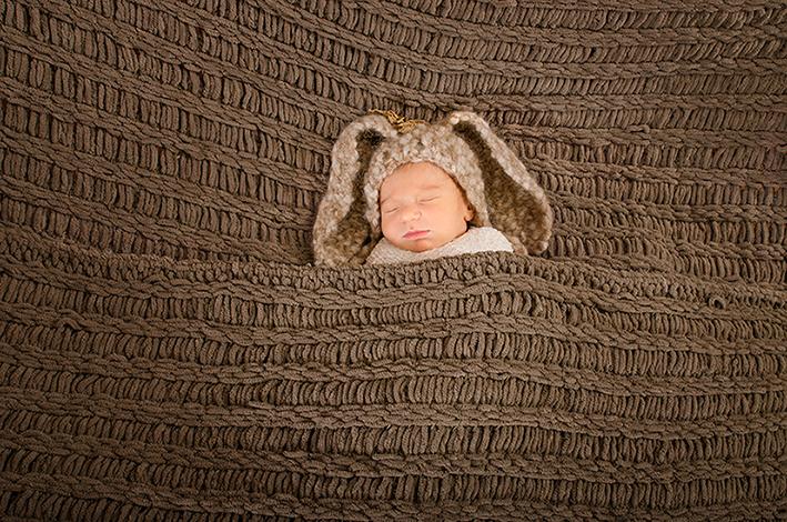18-Newborn-photographer-studio-California-MD