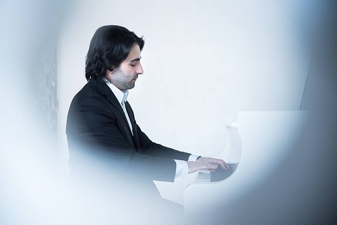 Brand-strategy-and-photography-pianist